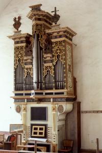 Varhany v kostele Nejsv.Trojice ve Smečně